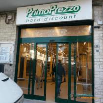 foto lavoro negozio primo prezzo hard discount